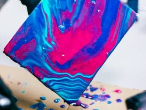 Fluid and drip painting workshop